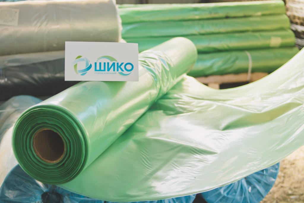 Рулон зеленой тепличной пленки из ПДВ компании ШИКО