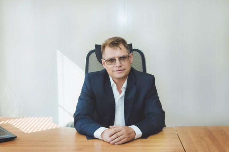 Александр Шаров в офисе фото