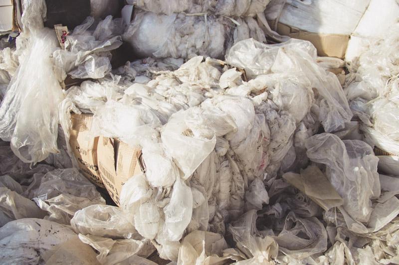 Полиэтиленовые отходы для переработки фото