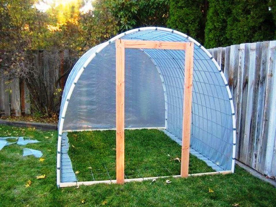 как сделать крышу на теплице из пленки